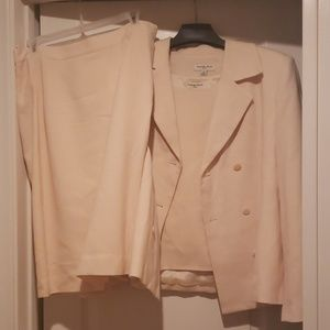 "NWOT ""Amanda Smith"" 3 Piece Suit"